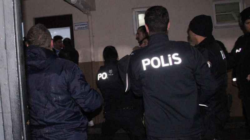 polis-1549886891.jpg?